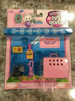 Kenner 1992 Littlest Pet Shop Frisky Kitty With Cozy Carrier