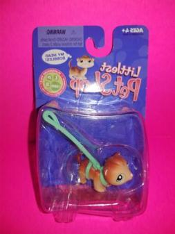 Hasbro Littlest Pet Shop Ferret with Green Leash & Eyes 289