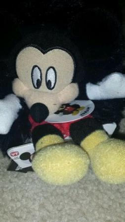 NWT Disney Mickey Mouse Hideaway Friend Pillow Pets Mini Tra